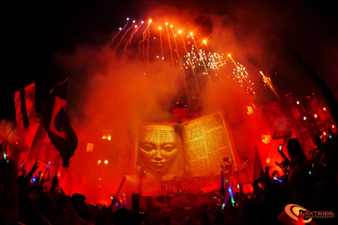 TomorrowWorld2013byMixtribe102.jpg